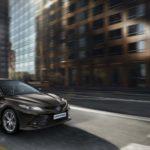 Toyota Camry 2019 - przód i bok